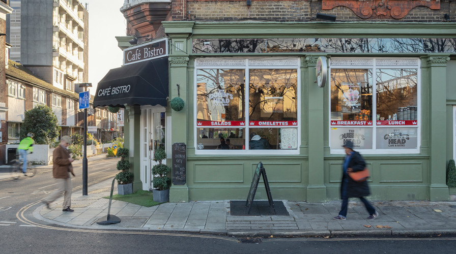 Queens Head Cafe exterior