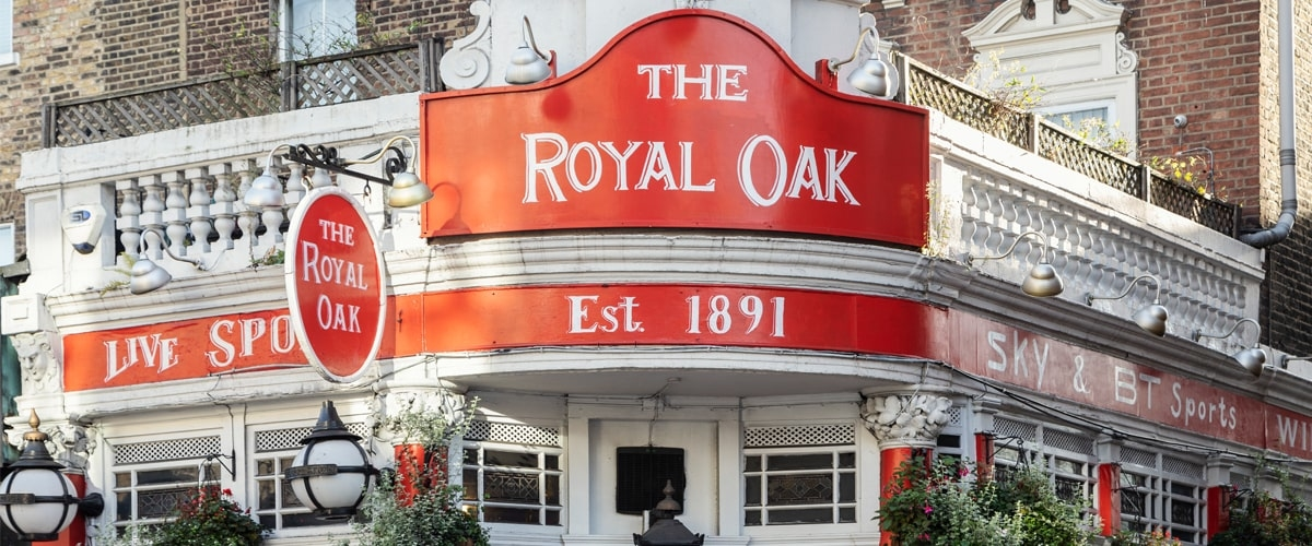 The Royal Oak pub exterior