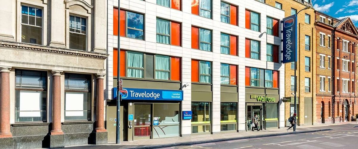 Travelodge budget hotel Vauxhall entrance wideshot
